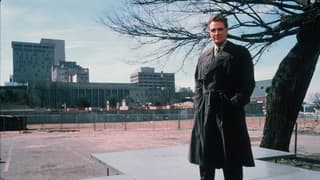 Unsolved Mysteries With Robert Stack on FREECABLE TV